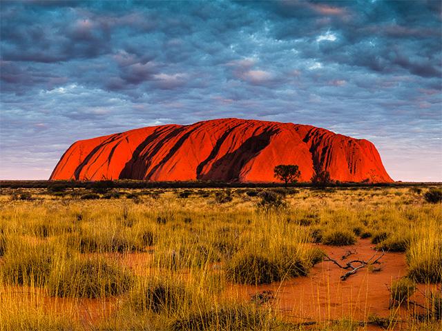 Uluru - photo of Ayers Rock by Oli Gardener